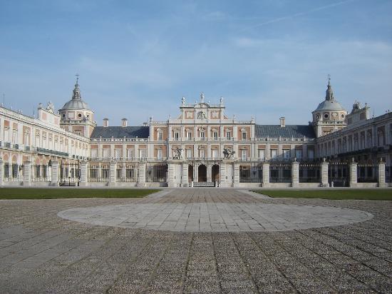 Palacio real de aranjuez aranjuez for Aranjuez palacio real y jardines